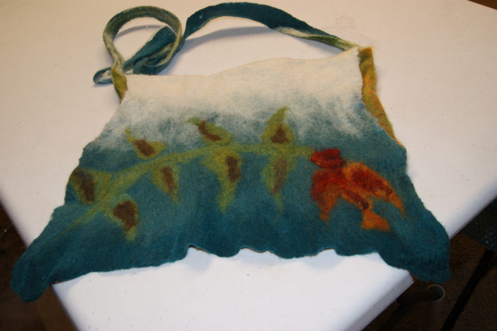 2fc9dc4999 Nuno felting class - seamless handbag. Angela s bag – front